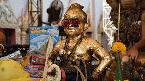 กุมารทองจุกดำ ให้เลขเด็ด คนที่มาขอโชคกลับไปลุ้นรวย